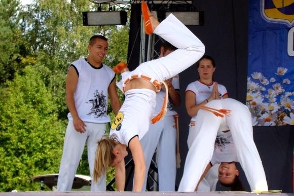 В Репино отметили день поселка концертом и салютом: Фото