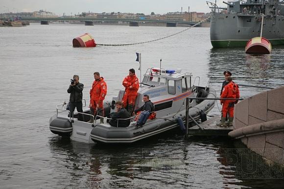 У Авроры утонул юноша - ФОТО с места событий: Фото