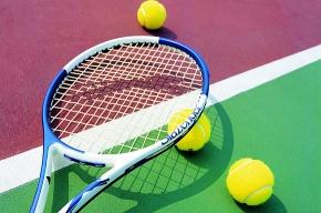В Петербурге открылся «партийный» турнир по теннису
