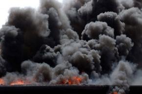В Югре горят резервуары с нефтью