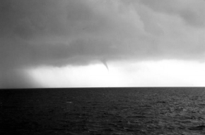 На побережье Черного моря ждут смерч
