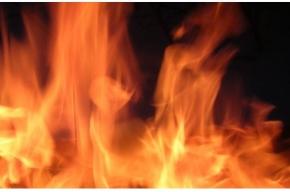 Пожар в яхт-клубе на Крестовском острове тушили несколько часов