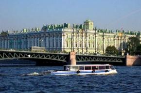 Авария на воде – катер наехал на речной трамвайчик