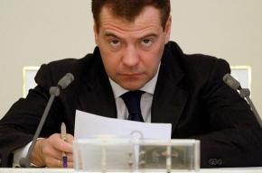 В президентском блоге подняли вопрос о стоянке у Пискаревского кладбища
