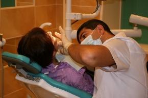 Итальянская девочка избавляется от 33-х лишних зубов