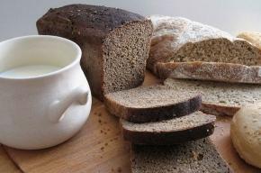 На площади Островского будут раздавать хлеб, молоко и зрелища