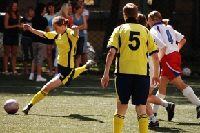 Футболистки из «Дотмедии», «Волны» и «Политеха» громят соперниц