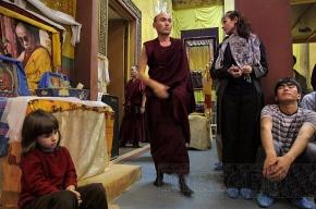 Буддисты разрушили дворец божества