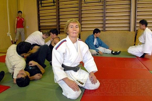72-летняя дзюдоистка уложила возраст на лопатки: Фото
