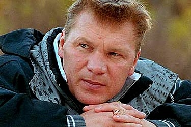 Актер Анатолий Журавлев замечен на ринге в амплуа ведущего: Фото
