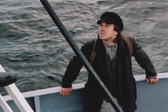 Актер Алексей Морозов рулит в кадре и в жизни: Фото