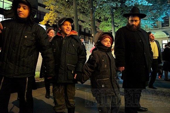 Иудеи празднуют Суккот: Фото