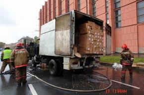 На улице Сызранской в Московском районе сгорел грузовик с макаронами