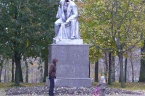 Ленин без головы: старость или вандализм?