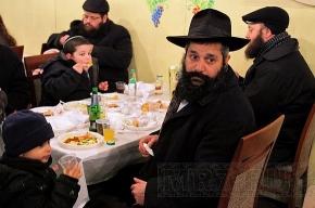 Иудеи празднуют Суккот