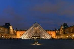 Франция в шоке: в Лувре открывается Макдоналдс
