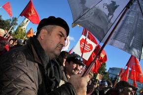 Фоторепортаж с митинга в защиту Петербурга