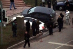 В Москве два джипа провалились под землю: Фоторепортаж