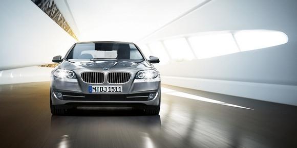 Официально представлена новая BMW 5-Series: Фото