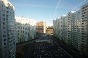 Новый панельный дом и три паркинга введены в эксплуатацию в жилом комплексе в Невском районе