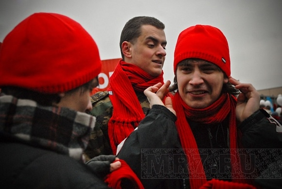 На митинге в защиту сквера на Ивана Фомина была массовка: Фото