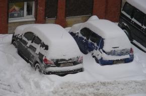 Водители дерутся с дворниками и уборщиками снега