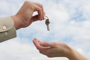 В городе Коммунар жители аварийных домов получили новые квартиры