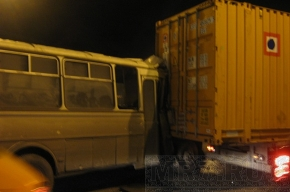 ПАЗ и фура столкнулсь на Выборгском шоссе, есть пострадавшие