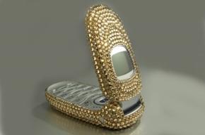 В Выборгском районе поймали карманника, укравшего дорогой мобильный телефон