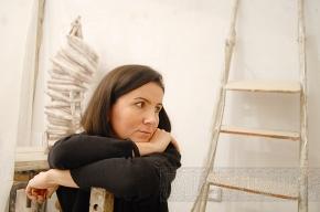 Женщина с бензопилой творит шедевры под Верди и Баха