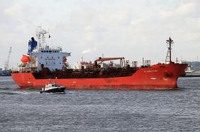 В районе Аденского залива захвачен танкер St.James Park с россиянами на борту