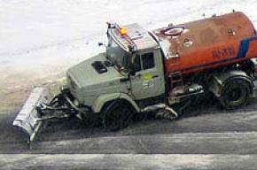 Убирать снег с улиц города вышло 700 единиц уборочной техники