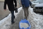 Петербургским дворникам еле хватает сил: Фоторепортаж