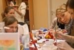 В студии арт-дизайна девушки учатся иллюзиям: Фоторепортаж