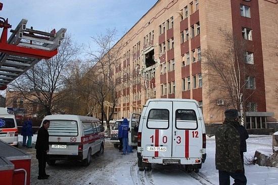 Взрыв в Луганской горбольнице: фоторепортаж с места происшествия: Фото