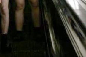 В московском метро ночью бегали голые мужчины