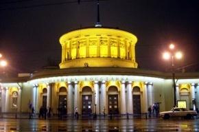 По вечерам вход на станцию «Площадь Восстания» ограничен