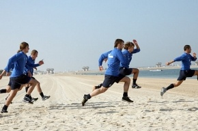 Зенитовцы в Дубае разминались… на пляже