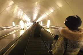 В метро петербуржцам будут читать Чехова