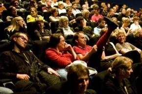 Защитники потребителей требуют запретить рекламу в кино