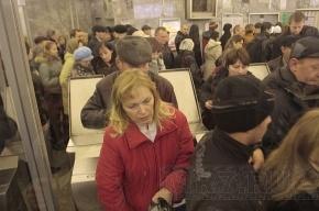 Эскалатор на «Площади Восстания» закрылся на ремонт