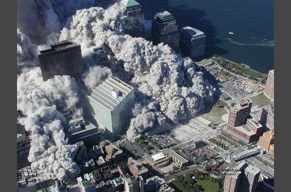 Опубликованы неизвестные фотографии с места ужасного теракта 9/11: Фото