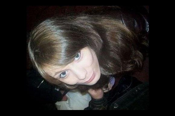 Ищущие пропавшую 14-летнюю петербурженку стали жертвой интернет-мародерства: Фото
