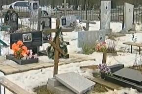 Вандалы устроили разгром на кладбище ветеранов в Ростовской области
