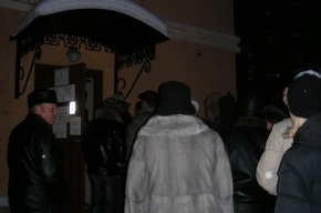 У Генконсульства Украины в Санкт-Петербурге – очередь избирателей