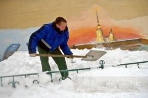 Толщина снежного покрова в Петербурге – почти 180 сантиметров