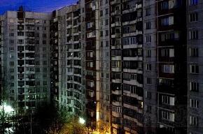 Мать и ее ребенок упали из окна 11 этажа, а отец в это время пил в комнате
