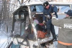 Столкнулись автобус и грузовик: двое погибли, девять пострадали