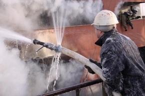 Во Владивостоке полностью сгорела школа. Детей спасли