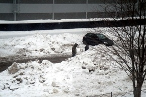 Снег убирают, но не увозят
